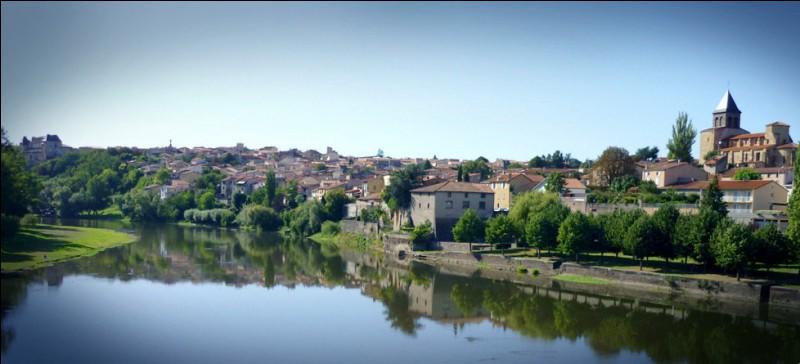 Cette ville d'Auvergne bordée par l'Allier, située dans l'aire urbaine de Clermont-Ferrand, c'est ...