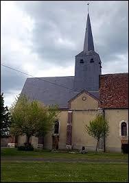 Nous sommes dans le Centre-Val-de-Loire devant l'église de la Sainte-Trinité de Mignerette. Commune de la région agricole du Gâtinais riche, elle se situe dans le département ...