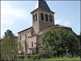 Nous sommes en Occitanie devant l'église Saint-Pierre de Fourmagnac. Nous nous trouvons dans le département ...