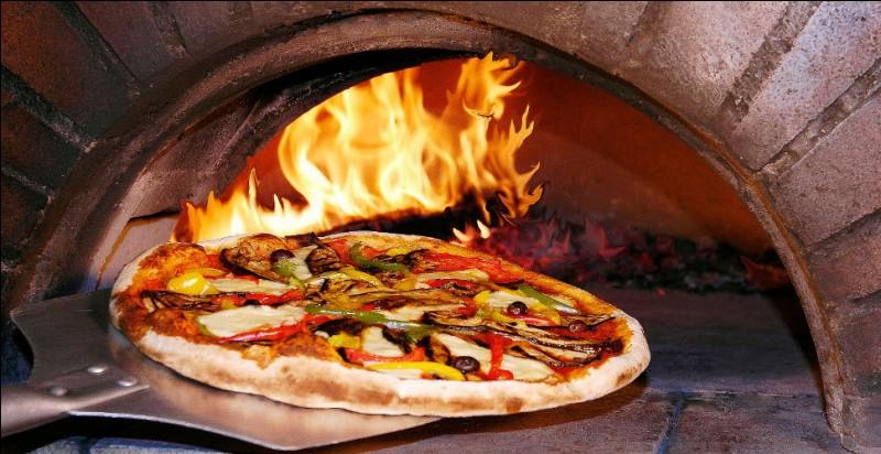 Dans le Rhône, une femme a été condamnée pour avoir téléphoné plus de 200 fois à une pizzeria en une soirée.