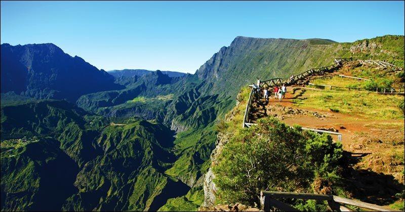 La Réunion se situe dans l'océan Pacifique.