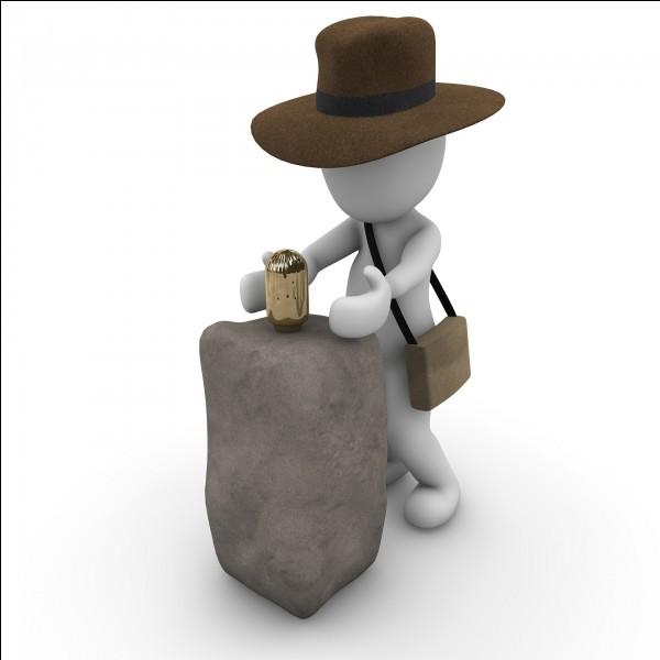 Indiana Jones avait deux métiers, il était à la fois professeur et...