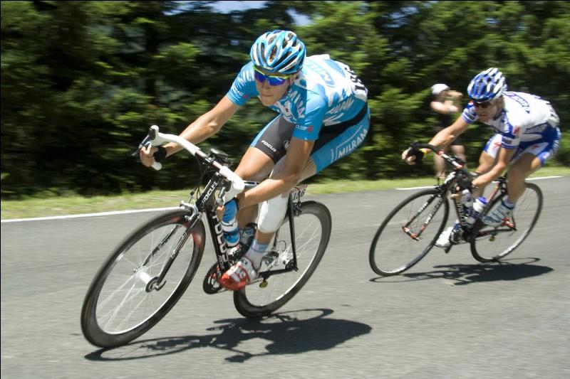"""Quel célèbre coureur cycliste français était surnommé """"l'éternel second"""" ?"""