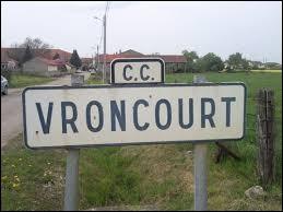 Nous terminons cette balade en Meurthe-et-Moselle, à l'entrée de Vroncourt. Laquelle de ces propositions est fausse ?