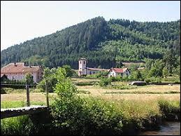 Nous commençons notre balade dans le Grand-Est, à Bionville. Commune à la limite du département des Vosges, ayant sur son territoire le point culminant de son département, elle se situe ...