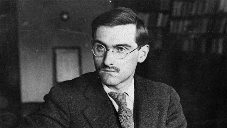 Jean Anouilh était un écrivain et ____ français, né le 23 juin 1910 à Bordeaux.