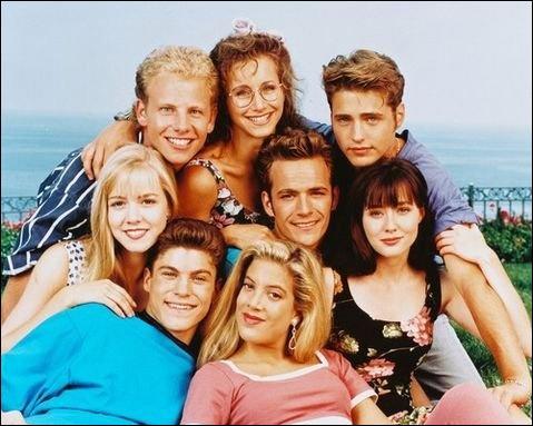 Au début de la série, on voit trois personnages de 'Beverly Hills'. Lesquels ?