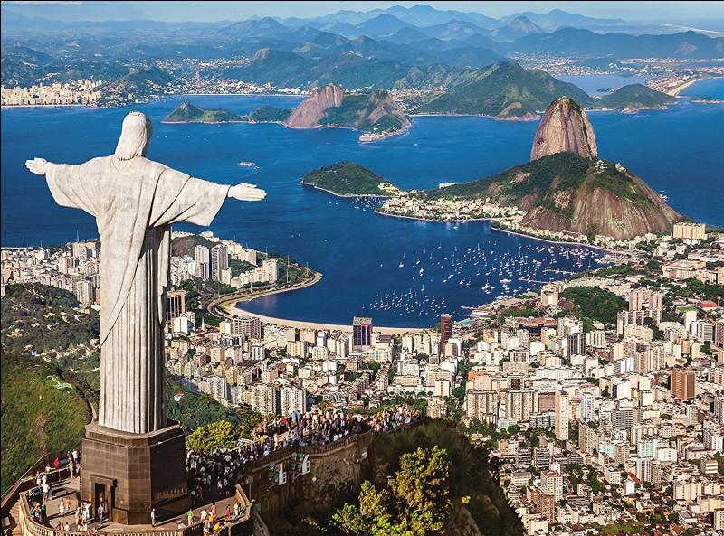 Dans une de ses chansons, qui va à Rio de Janeiro ?