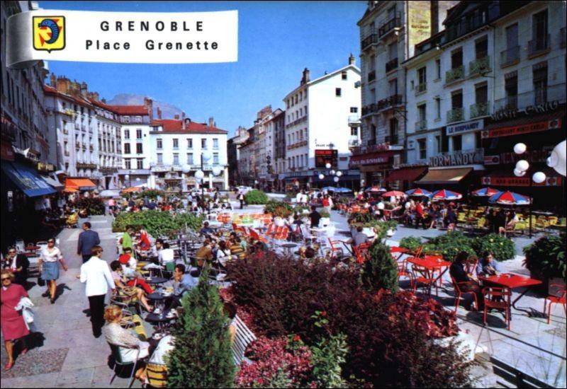 L'une des plus anciennes et des plus populaires place de Grenoble est la place Grenette. D'où vient son nom ?