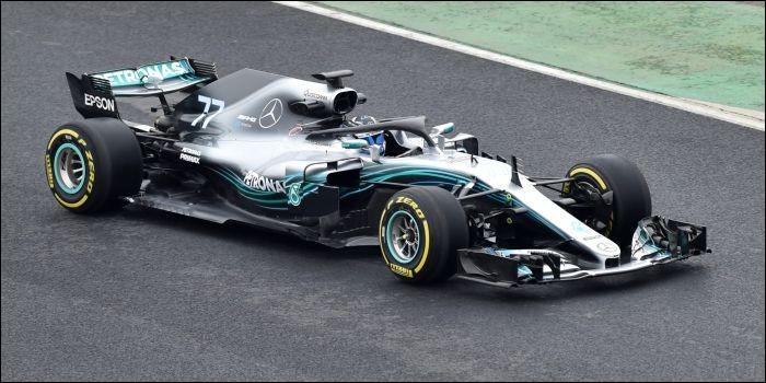 Quelle voiture n'a rien à voir avec Mercedes ?