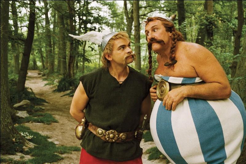 Qui joue le rôle d'Obélix dans les films d'Astérix et Obélix ?