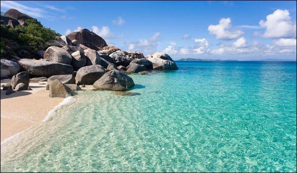 Quel autre nom donne-t-on à la mer des Antilles ?