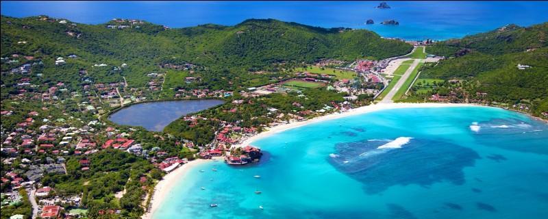 Avant 2007, de quelle île Saint-Barthélémy était-elle une dépendance ?