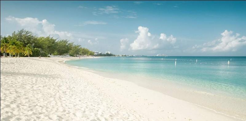 De quel pays les îles Caïmans sont-elles un territoire d'outre-mer ?
