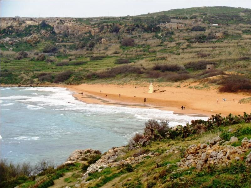 Voici la baie de Ramla, au nord de Gozo. C'est là qu'Homère situe l'un des épisodes majeurs de l'Odyssée, contant le retour d'Ulysse vers Ithaque après la guerre de Troie. Que s'y passa-t-il selon la légende ?