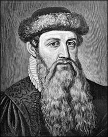 L'imprimerie a révolutionné le marché du livre, et donc par extension des bibliothèques. Quel est le nom de baptême de Gutenberg ?