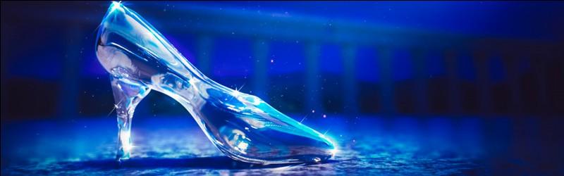 Dans quel film Disney peut-on voir une pantoufle de verre ?