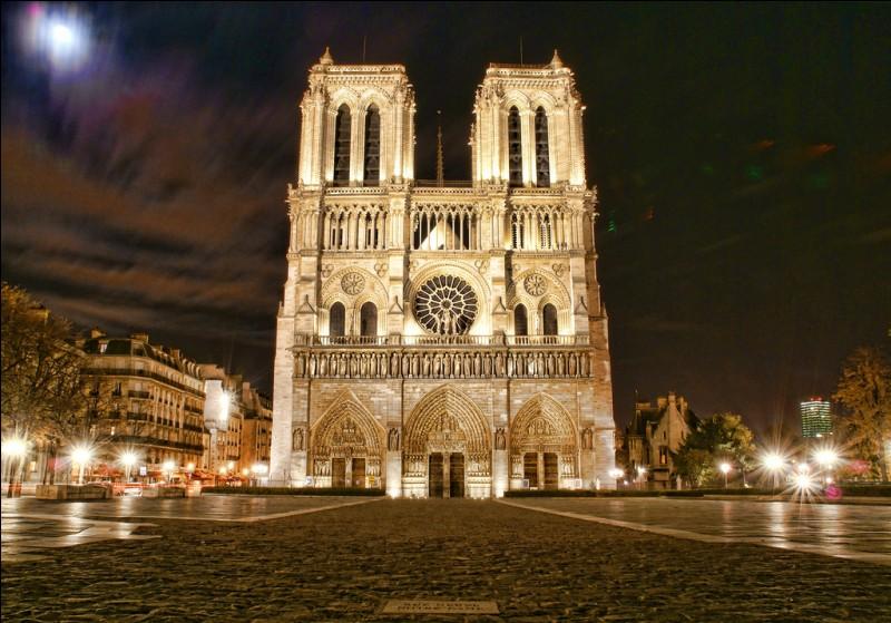 """On complète la chanson """"Belle"""" : O Notre-Dame !Oh ! laisse-moi rien qu'une fois..."""