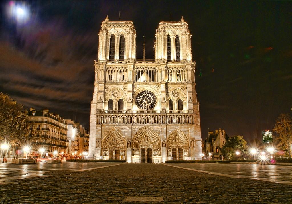Notre-Dame de Paris, notre cathédrale, notre Histoire