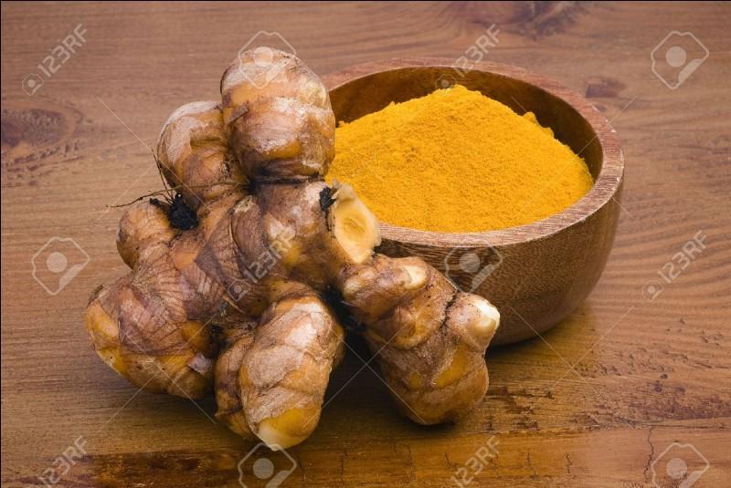 De quelle manière le goût du curcuma est-il affecté par la cuisson ?