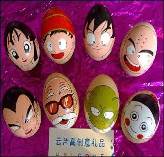 """Des oeufs peints en personnages de """"Dragon Ball"""", en voilà une bonne idée ! Lequel a la peau verte ?"""