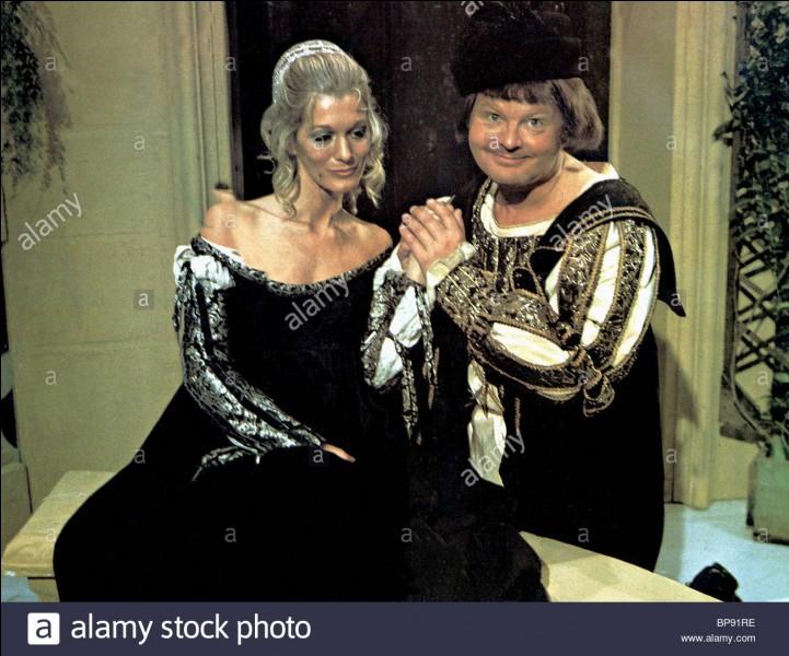 M et Mme Hill, Anglais, sont heureux et fiers de vous annoncer la venue au monde de ...
