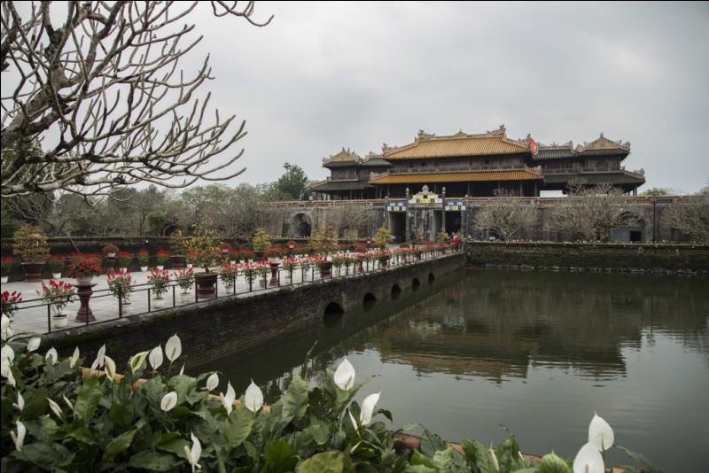 Hué et Haïphong sont des villes du ...