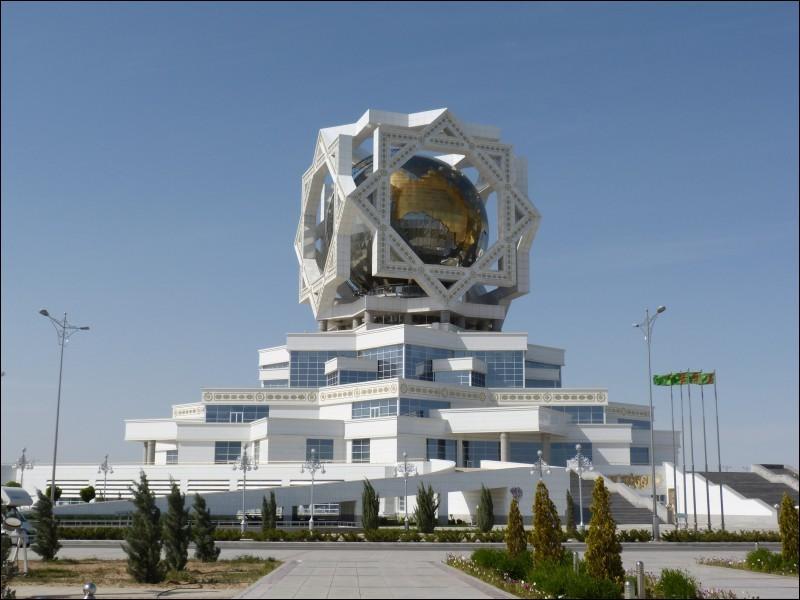 Laquelle de ces villes est la capitale du Turkménistan ?