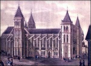 Cette abbaye consacrée à Saint Martin était un centre de pèlerinage majeur ; la grande église, qui datait essentiellement du XIe siècle, fut désaffectée en 1793, puis démolie à la suite de l'effondrement des voûtes en 1797. Dans quelle ville se trouvait cette abbaye ?