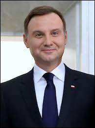 Justement, la Pologne a élu son président de la République pour 5 ans mais comment s'appelle-t-il ?