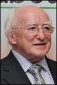 Homme de lettres, ancien ministre de la culture, il est devenu président de la République irlandaise, comment se nomme-t-il ?