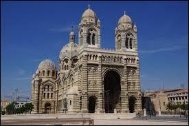 Dans quelle ville se trouve cette cathédrale ?