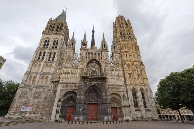 Dans quelle ville peut-on admirer cette cathédrale ?