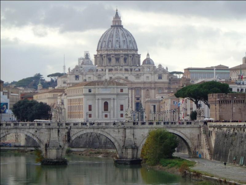 Quel est le nom en italien du Tibre, fleuve traversant Rome ?