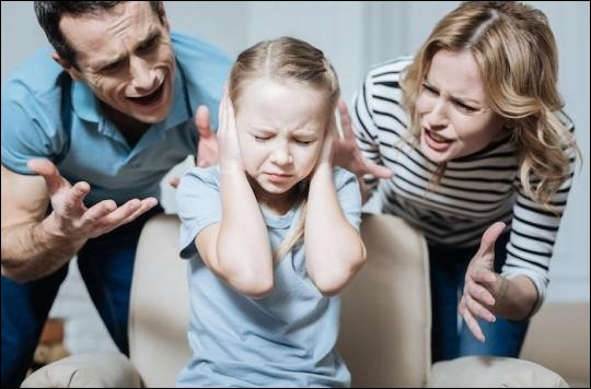 On a pour habitude de crier sur les enfants...