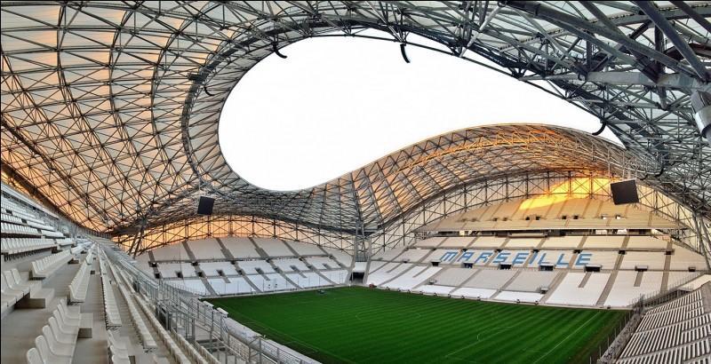 Lequel de ces stades correspond au Stade Vélodrome de Marseille ?