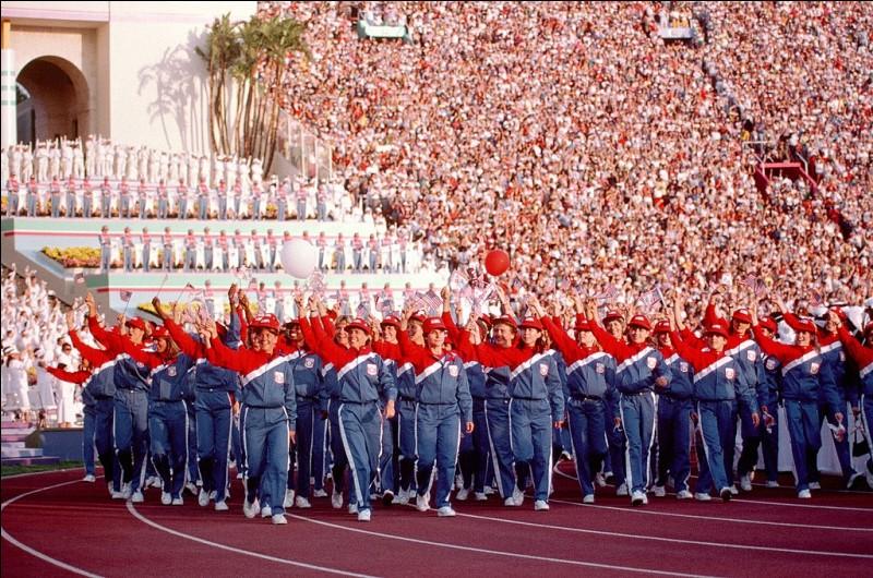Dans quelle ville des Etats-Unis se déroulaient les Jeux olympiques boycottés par le bloc des pays communistes ?