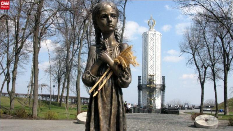 A combien estime-t-on le nombre de victimes de l'Holodomor, cette famine qui frappa l'Ukraine en 1932 ?