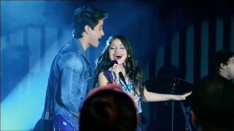 Quelle chanson chantent-ils avec Luna sur la photo ?
