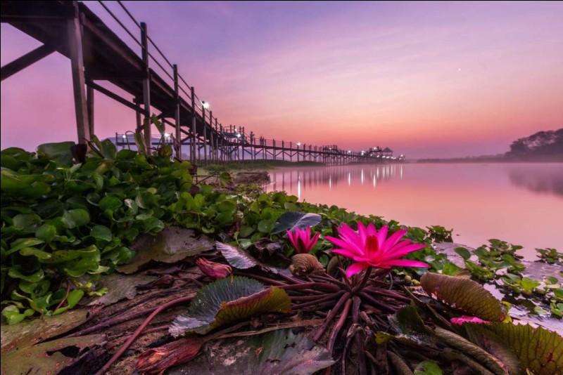 Réservoir dans la station balnéaire Hua Hin : cet endroit est l'un des séjours balnéaires les plus connus du pays. Il s'agit de la retraite favorite de l'aristocratie pendant les chaleurs estivales.Hua Hin se distingue également en ce qu'elle est la plus ancienne station balnéaire du pays que vous devez trouver.