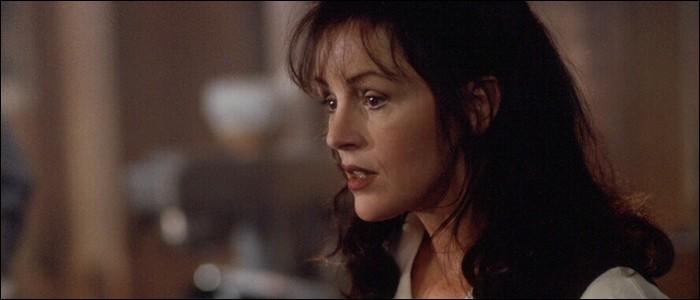 """Quel affection handicape tout particulièrement Polly Chalmers dans """"Bazaar"""" ?"""