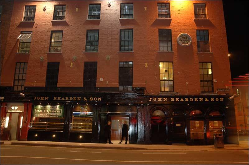 """Le ''Reardens Bar"""" sur Washington Street, le plus grand et le plus célèbre. On y va pour ses pizzas mais surtout pour ses..."""