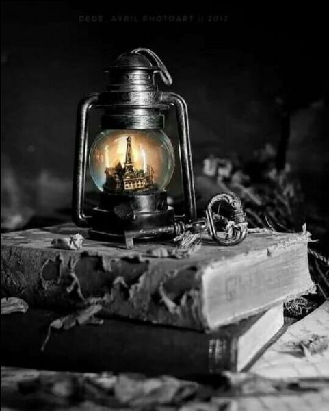 """Qui a écrit """"La Lumière des justes"""", auteur du roman """"L'Araigne"""" qui fut son plus grand succès ?"""
