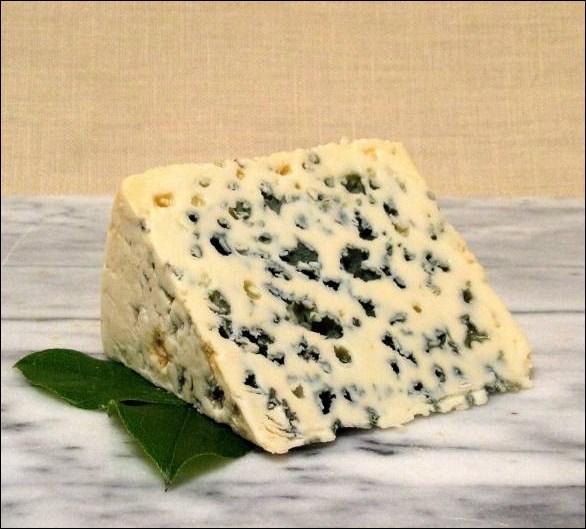 Avec quel lait fabrique-t-on le fromage de roquefort ?