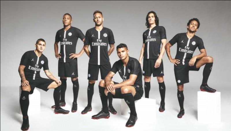 """Avec quelle grande marque internationale le PSG a-t-il signé un partenariat pour son maillot """"Ligue des champions"""" ?"""