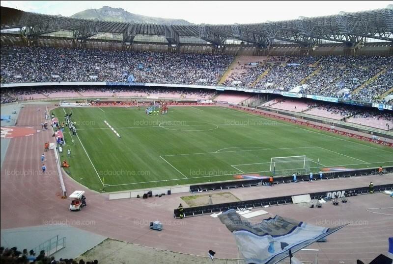 Comment se nomme le stade du SSC Naples dans lequel le PSG les a affrontés le 6 novembre 2018 ?