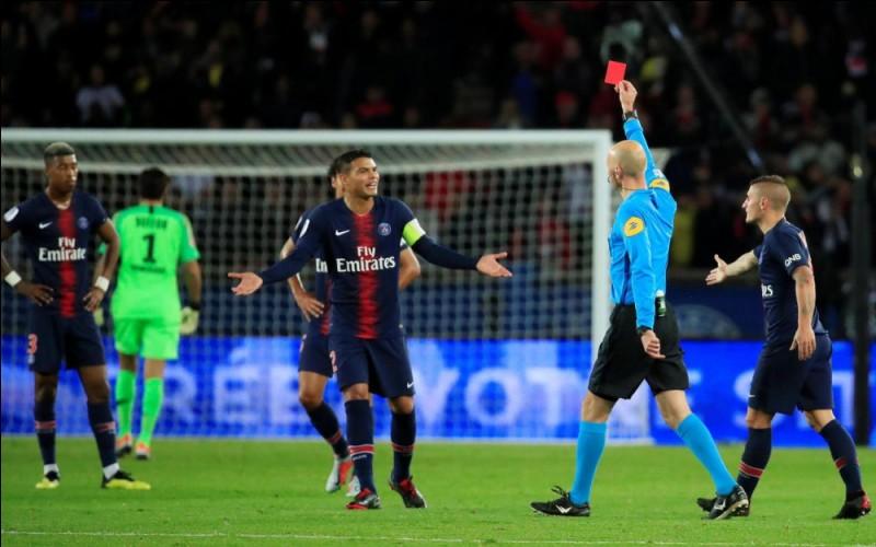 Quel joueur du PSG se fait exclure lors de la victoire 5-0 face à Lyon, en Ligue 1 ?