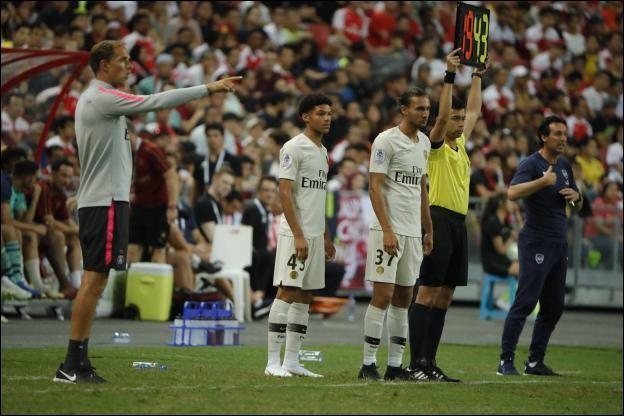 Lors de la tournée estivale de pré-saison en Asie quels clubs ont affronté le PSG ?