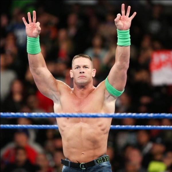 Qu'était-il écrit sur les poings américains de John Cena lors de son interruption en plein concert de Elias à Wrestlemania 35 ?