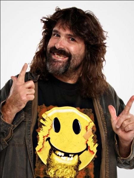 Qui est le personnage de Mick Foley ?